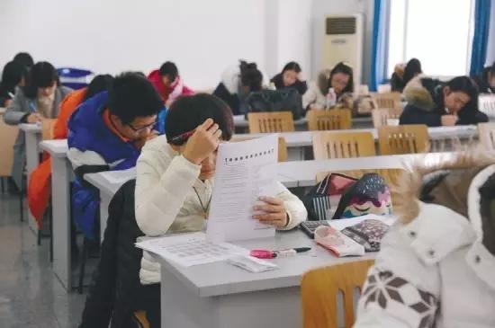 2018年成人高考录取最低分数线
