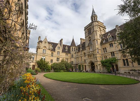 英国最大考试局牛津AQA正式落地中国,18所学校得到授权